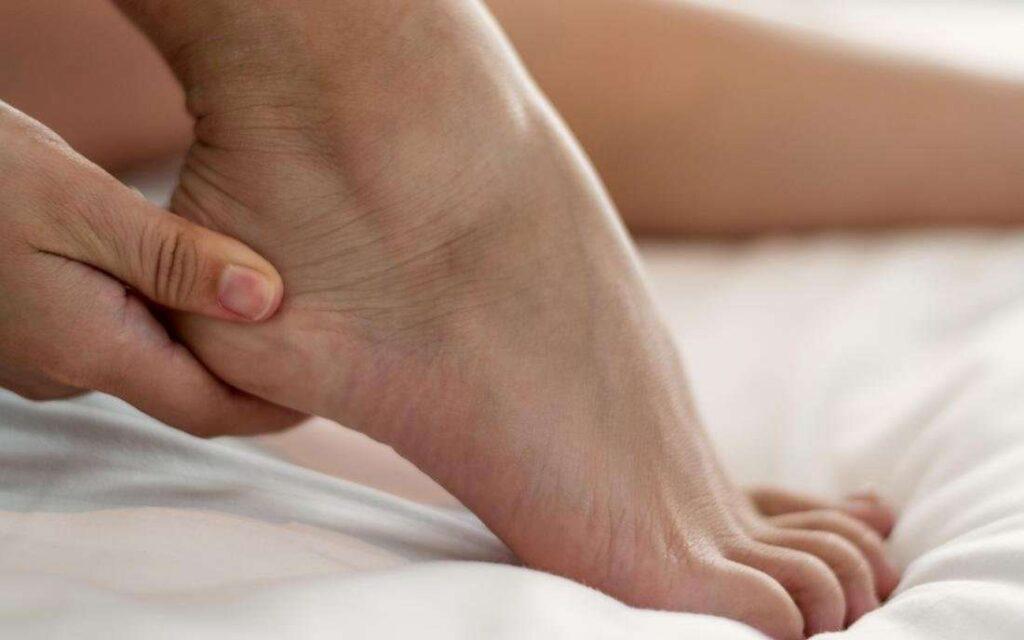 بهبود گردش خون در پاها با بلند کردن پاشنه