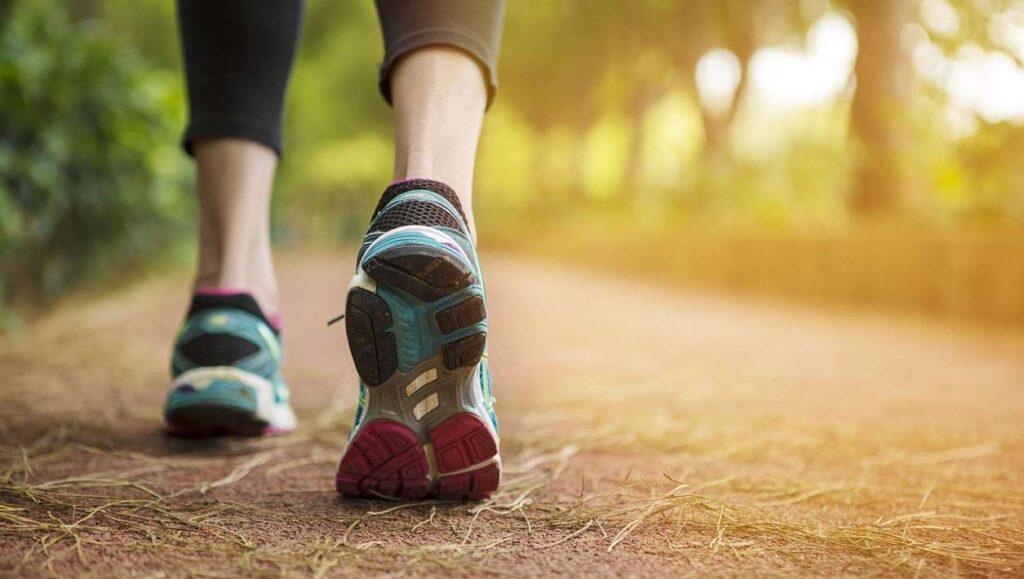 تقویت عضلات پا با پیاده روی